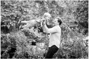 lifestyle family photographer in kansas city by kaye ness photography